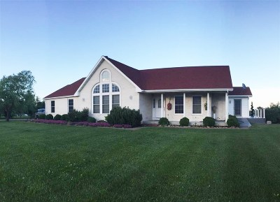 Green County Single Family Home For Sale: W2684 Town Center Rd