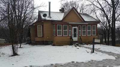Baraboo WI Single Family Home For Sale: $59,900