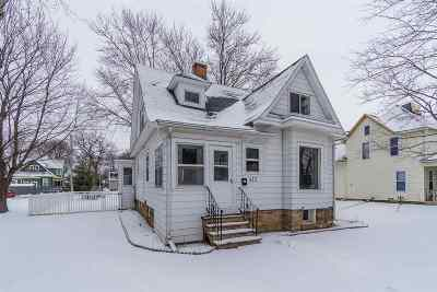 Baraboo WI Single Family Home For Sale: $159,000