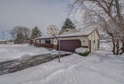 Deforest Single Family Home For Sale: 601 Regal Ct
