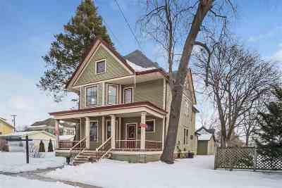 Stoughton Single Family Home For Sale: 117 S Franklin St