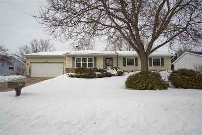 Deforest Single Family Home For Sale: 704 W Mohawk Tr