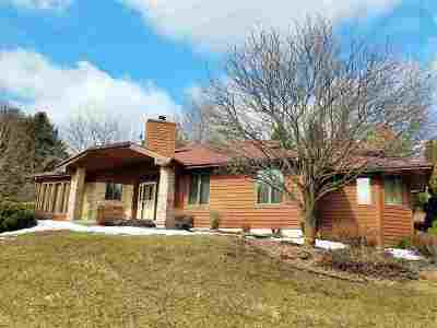 Waunakee Single Family Home For Sale: 5975 Cherokee Valley Pass