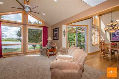 Monona Single Family Home For Sale: 714 Interlake Dr