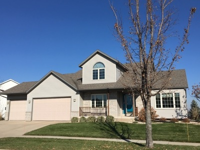 Waunakee Single Family Home For Sale: 1201 Greenbrier Dr