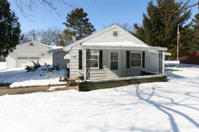 Walworth County Single Family Home For Sale: 2701 Mabie St