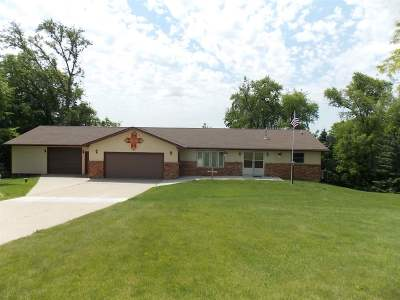 Rock County Single Family Home For Sale: 10814 E Bowers Lake Rd