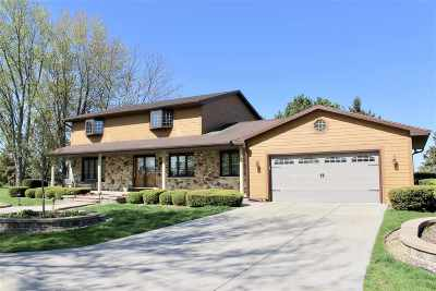Sun Prairie Single Family Home For Sale: 1645 Berlin Rd