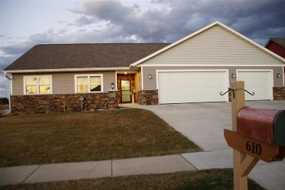 Prairie Du Sac Single Family Home For Sale: 610 21st St