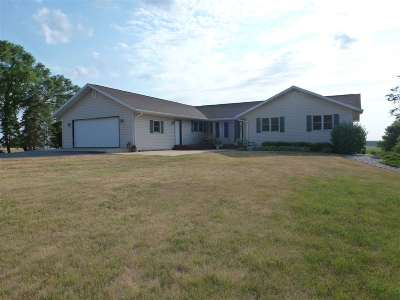 Deforest Single Family Home For Sale: 7841 Wernick Rd