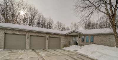 Cross Plains Single Family Home For Sale: 2164 Hillebrand Dr
