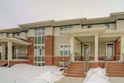 Sun Prairie Condo/Townhouse For Sale: 1424 Smithfield Dr