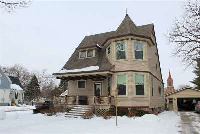 Walworth County Single Family Home For Sale: 125 Grace St
