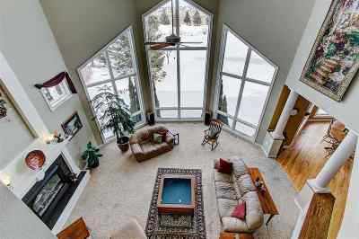 Dane County Single Family Home For Sale: 805 Sunrise Bay