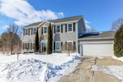 Cambridge Single Family Home For Sale: 614 Wheatland Dr