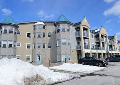 Stoughton Condo/Townhouse For Sale: 2320 Jackson St #321