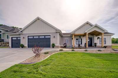 Waunakee Single Family Home For Sale: 2404 Kilarney Way