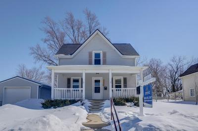 Verona Single Family Home For Sale: 409 S Main St