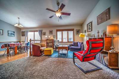 Sun Prairie Condo/Townhouse For Sale: 134 White Tail Dr