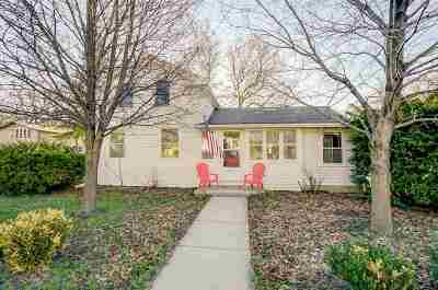 Stoughton Single Family Home For Sale: 409 S Academy St