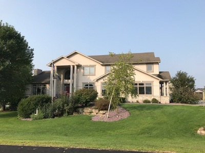 Sun Prairie Single Family Home For Sale: 3025 Saddle Brooke Tr