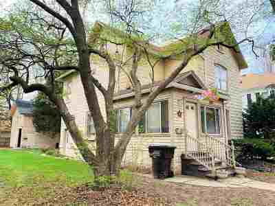 Walworth County Single Family Home For Sale: 148 N Park St