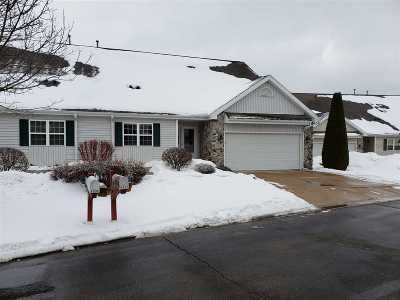 Waunakee Condo/Townhouse For Sale: 5736 Enchanted View Ln