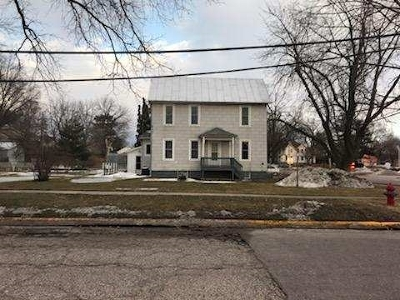 Baraboo WI Single Family Home For Sale: $124,900