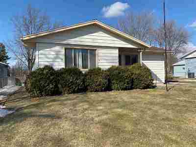Madison Single Family Home For Sale: 714 Nancy Ln