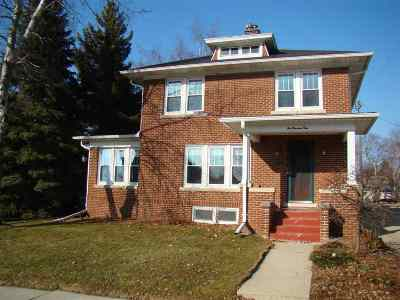 Dodge County Single Family Home For Sale: 104 Grove St