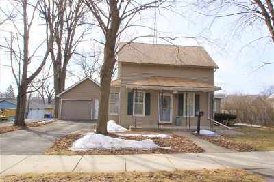 Baraboo WI Single Family Home For Sale: $125,000