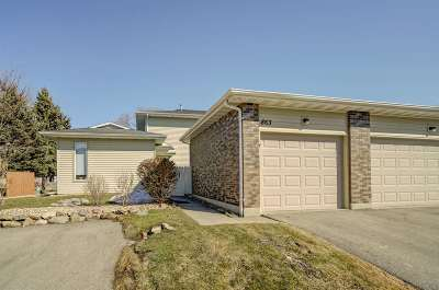 Waunakee Condo/Townhouse For Sale: 863 Henry St