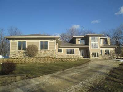 Waterloo Single Family Home For Sale: W8889 Stoney Brook Rd