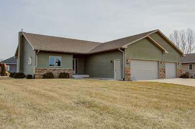 Sauk City WI Single Family Home For Sale: $359,000
