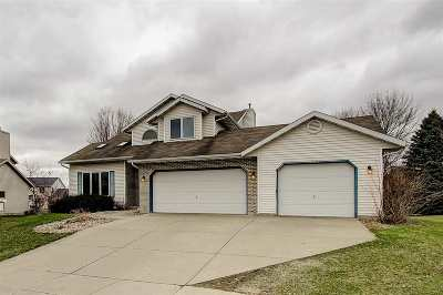 Waunakee Single Family Home For Sale: 609 Worthington Way