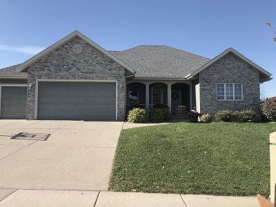 Prairie Du Sac WI Single Family Home For Sale: $416,900