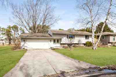Fitchburg Single Family Home For Sale: 2814 Lyman Ln
