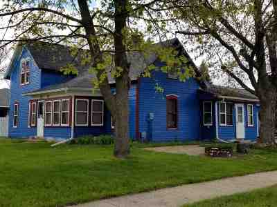 Pardeeville Single Family Home For Sale: 302 W Chestnut St