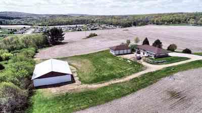Baraboo Single Family Home For Sale: S5302 Mine Rd