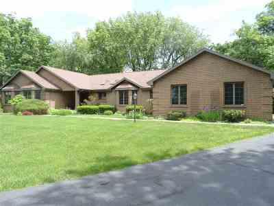 Rock County Single Family Home For Sale: 2063 Regal Oaks Ct