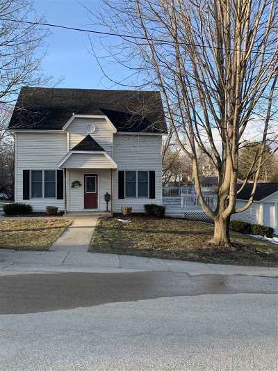 Iowa County Single Family Home For Sale: 211 Mineral St