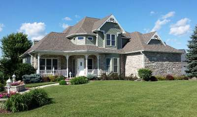 Waunakee Single Family Home For Sale: 800 N Meadowbrook Ln