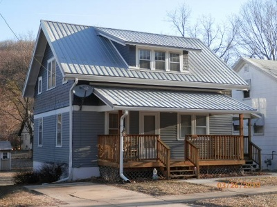 Richland Center Single Family Home For Sale: 768 E Kinder St