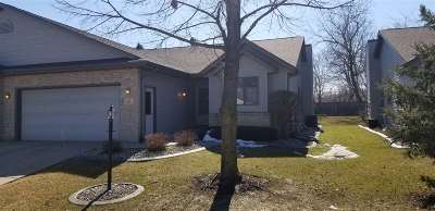 Waunakee Condo/Townhouse For Sale: 12 Village Homes Dr