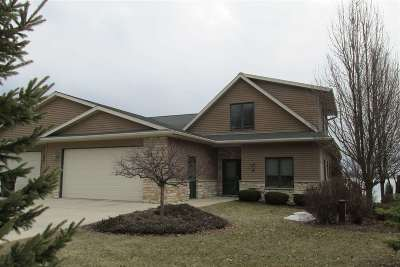 Dodge County Condo/Townhouse For Sale: N7104 Airport Rd #4
