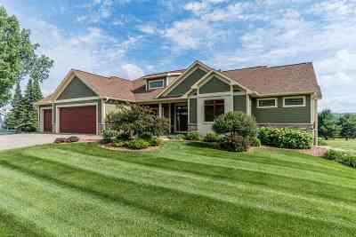 Baraboo WI Single Family Home For Sale: $499,900
