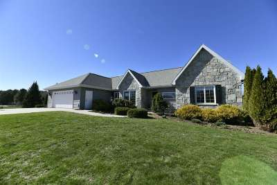 Dodge County Single Family Home For Sale: W9686 Cousins Ct