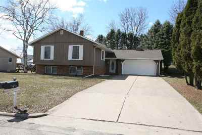 Lancaster WI Single Family Home For Sale: $159,000