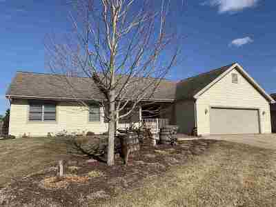 Sauk City WI Single Family Home For Sale: $319,900