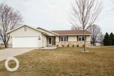 Prairie Du Sac WI Single Family Home For Sale: $329,900